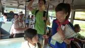 Đi xe buýt học sinh đắt hơn xe buýt công cộng