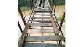 Hiểm họa rình rập ở cầu treo Đăk Ri Jốp