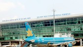 Transport minister requires upgrading of some Tan Son Nhat Airport items not broadening
