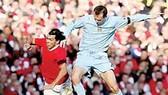 """Premier League 2007-2008 Vòng đấu thứ 26 (loạt trận đêm 10-2, rạng sáng 11-2): Man """"đỏ"""" lại thua Man """"xanh"""""""