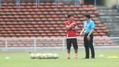 Thất bại ở AFF Cup 2016 và SEA Games 2017, bóng đá Việt Nam lại hướng về... thầy ngoại. Ảnh: Bạch Dương
