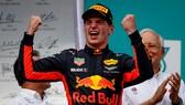 Max Verstappen đăng quang ở Malaysia