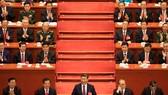 中國國家主席習近平(前排中)與各位領導及原領導 出席十九大開幕式。