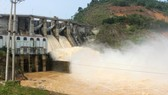 Tuyen Quang Hydropower Plant opens its two doors to ensure reservoir safety.
