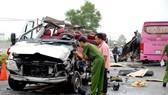 Hai xe khách đối đầu ở Tây Ninh làm 6 người chết: Do chạy lấn tuyến