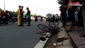 Chạy xe đạp tập thể dục, người đàn ông bị ôtô tông tử vong
