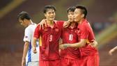 Niềm vui của các cầu thủ Việt Nam. Ảnh: DŨNG PHƯƠNG