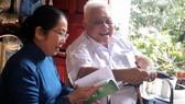 Lãnh đạo TPHCM thăm Nhà giáo ưu tú PGS-TS Cao Minh Thì