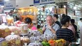 Hơn 90% hàng bày bán tại chợ Bến Thành có xuất xứ trong nước