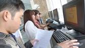 Xu hướng mua bán trực tuyến: Lợi người mua, thiệt ngành thuế