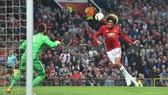 Marouane Fellaini ghi bàn mở tỷ số cho Man.Utd. Ảnh: Dailymail