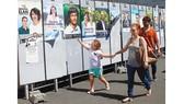 Áp phích giới thiệu phục vụ bầu cử Quốc hội Pháp
