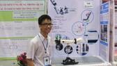 """Em Phạm Huy và sản phẩm """"Cánh tay robot cho người khuyết tật"""""""