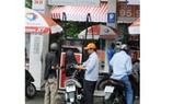 Một điểm kinh doanh xăng dầu tại TPHCM             Ảnh: THÀNH TRÍ