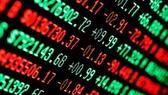 Đồng loạt chốt lời, VN-Index giảm gần 12 điểm
