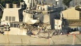 The USS Fitzgerald destroyer after the collision (Photo: AFP/VNA)