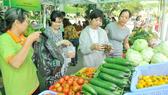 Khai mạc chợ phiên nông sản an toàn thứ 3 tại Công viên Lê Thị Riêng