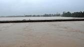 Trung bộ mưa rất to, lũ trên các sông đang lên