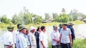 Những thành viên của Đội Bảo vệ về thăm căn cứ ở U Minh, Cà Mau.