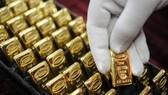 Giá vàng giảm sâu về mức thấp nhất 8 tuần