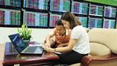 Nhiều công ty chứng khoán đang nỗ lực giúp nhà đầu tư vững vàng về kiến thức trước khi tham gia TTCK phái sinh