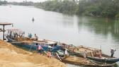Yêu cầu 4 Chủ tịch tỉnh chỉ đạo điều tra khai thác cát trái phép