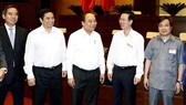 Thủ tướng Nguyễn Xuân Phúc và các đại biểu dự hội nghị