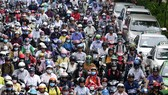 Kẹt xe trên đường Hoàng Sa, Q.Tân Bình, TP.HCM ngày 4.8