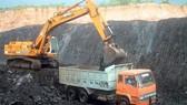 Trên công trường khai thác mỏ sắt Thạch Khê, Hà Tĩnh