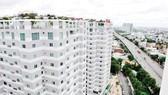 Một khu cao ốc kiến trúc hiện đại tại cửa ngõ phía tây TPHCM  Ảnh: THÀNH TRÍ
