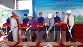 Lễ khởi công xây dựng Khu khám bệnh, chẩn đoán và điều trị kỹ thuật cao của Bệnh viện Ung bướu. (Ảnh: Phương Vy/TTXVN)