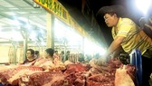 Thịt heo thiếu thông tin truy xuất vẫn vào chợ