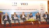 Lãnh đạo VCCI, lãnh đạo cấp cao USABC tọa đàm với các doanh nghiệp Việt Nam.