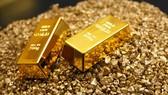 Giá vàng hôm nay tiếp tục lao dốc