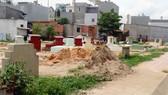 Nghĩa trang Hai Bom ở phường Phước Long B, quận 9