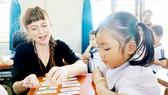 Giờ học Tiếng Anh tích hợp của học sinh Trường Tiểu học Tân Sơn Nhì, quận Tân Phú           Ảnh: VÕ THẮM