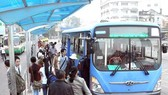 Xe buýt sử dụng khí CNG thân thiện với môi trường