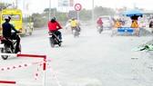 Đoạn quốc lộ 1, từ ngã tư Ga đến ngã tư Bình Phước, đồng loạt được đào bới để thi công, nhưng nhiều nơi không tuân thủ các biện pháp bảo đảm an toàn cho người và phương tiện lưu thông