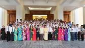 Tổng Bí thư Nguyễn Phú Trọng và các đại biểu nông dân xuất sắc