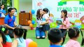 Đội Xanh tổ chức chương trình chống xâm hại cho trẻ mầm non.