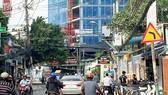 Một dự án cao ốc chung cư đang mọc lên trên đường Nguyễn Văn Đậu (quận Bình Thạnh, TPHCM)