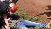 Một cảnh trong clip đánh ghen dã man  tại tỉnh Gia Lai lan truyền trên mạng
