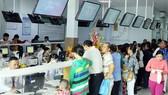 Người dân đăng ký khám chữa bệnh BHYT tại Bệnh viện quận Thủ Đức