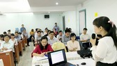 Doanh nghiệp nghe hướng dẫn thành lập Quỹ Phát triển KH-CN