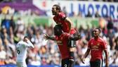 Romelu Lukaku mừng bàn thắng ở trận thứ 2 liên tiếp cho Man.United.