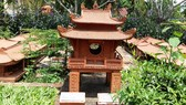 Famous places: A ceramic replica of the Temple of Literature in Hà Nội is shown at Thanh Hà Terracotta Park. (Photo: VNS)