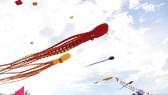 A kite festival in Tam Thanh beach, Tam Ky city, Quang Nam province (Photo: SGGP)