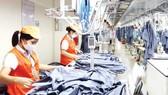 Garment product making at Garment 10 Company (Photo: SGGP)