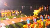 Thắp sáng 7 đóa sen trên sông Hương mở đầu tuần lễ Phật đản Phật lịch 2561 tại Huế