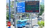 Thông tin môi trường qua bảng chỉ dẫn giao thông. Ảnh: THÀNH TRÍ